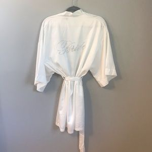 Icing White Wedding Robe 👘